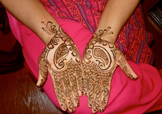 Indian-Mehndi-Design-for-College-Girls-520x365.jpg (520×365)