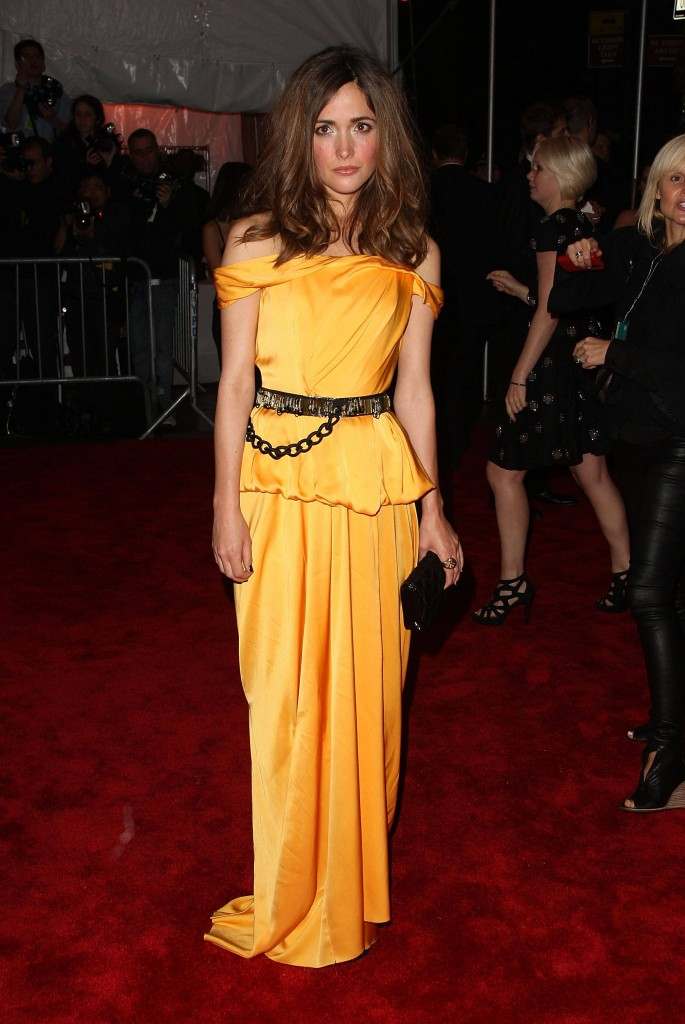 """Types Of Mattresses >> """"The Model As Muse: Embodying Fashion"""" Costume Institute Gala - Arrivals - SheClick.com"""