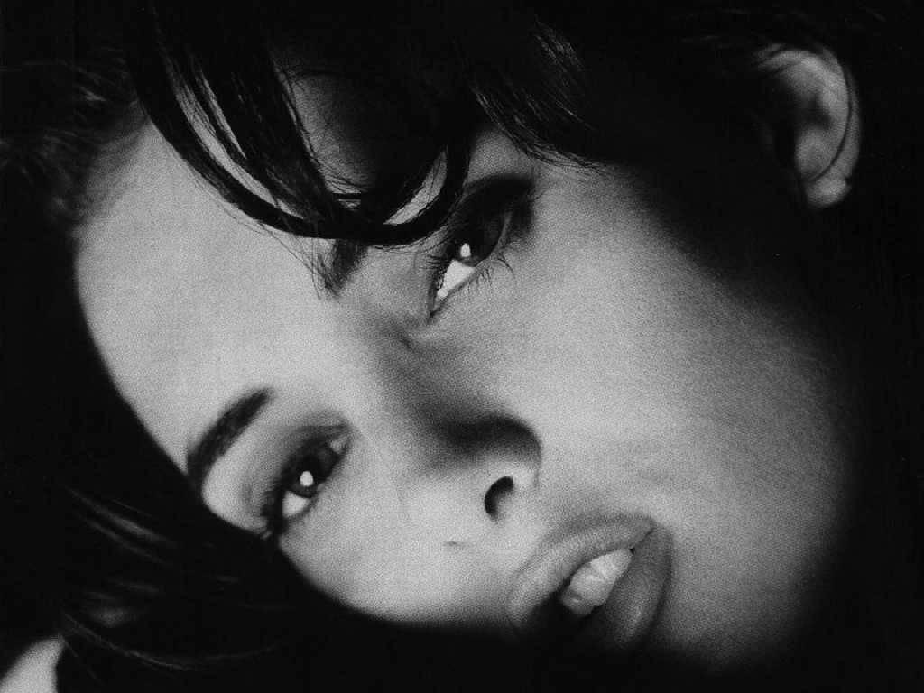 Winona Ryder Photo Shoot Sheclick Com