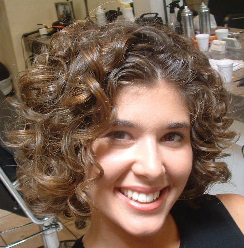 Latest Short Curly Hairstyles: Latest Short Curly Hairstyle 2011