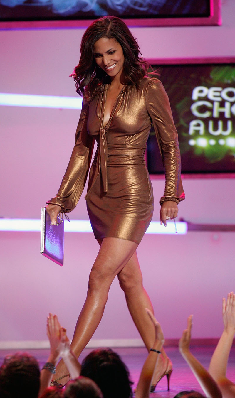 33rd Annual People S Choice Awards Show Sheclick Com