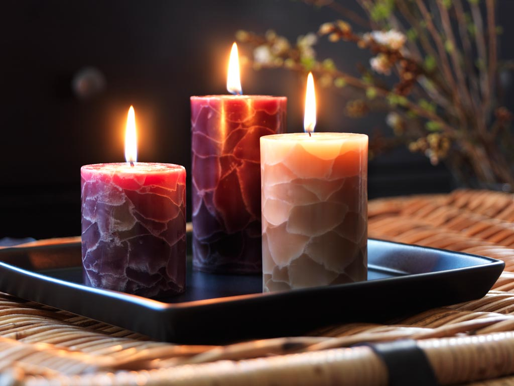 Awesome candles decorative piece for House decoration pieces