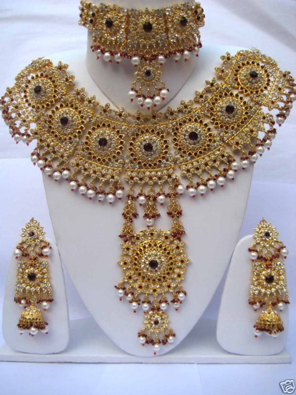Best Indian Bridal Necklace Set