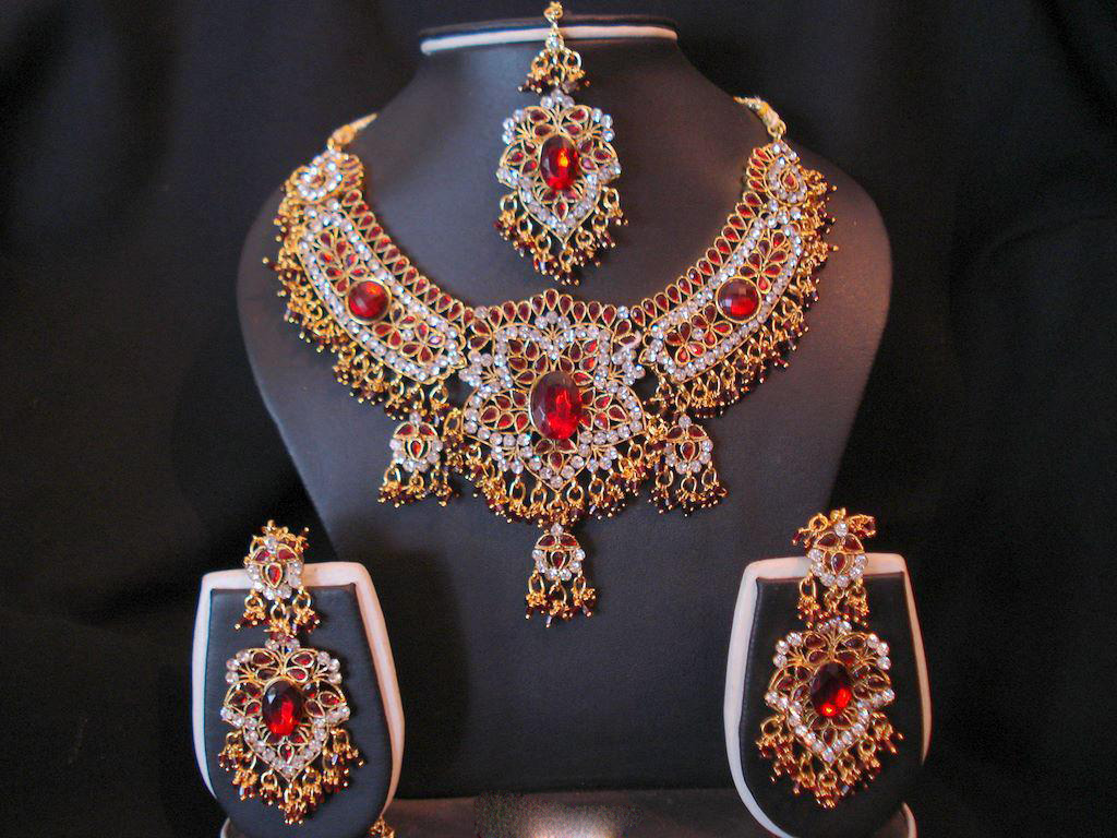 Stylish Indian Jewelry Designs For 2012