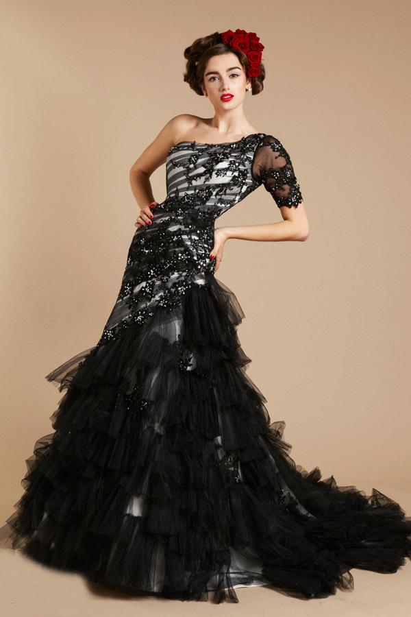 http://www.sheclick.com/wp-content/uploads/2012/10/2012-Black-Wedding-Dresses-for-Brides.jpg
