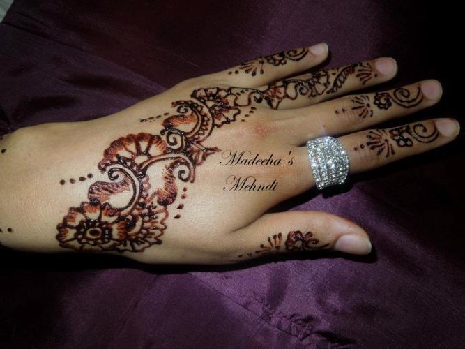 Simple Eid Mehndi Designs 2013 : Stylish eid ul adha mehndi designs for sheclick