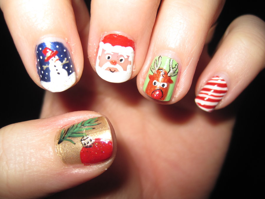 15 delightful christmas nail art designs 2012 sheclick latest christmas nail art 2012 prinsesfo Image collections
