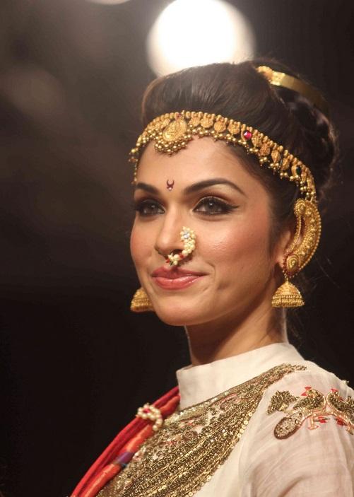 Splendid Nose Ring Trend for Brides 2014