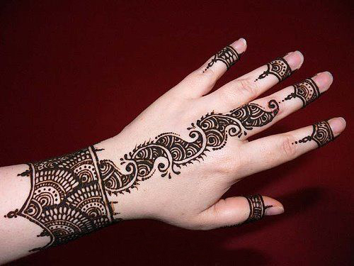 Amazing Eid ul Fitr Mehndi Design for Women 2014