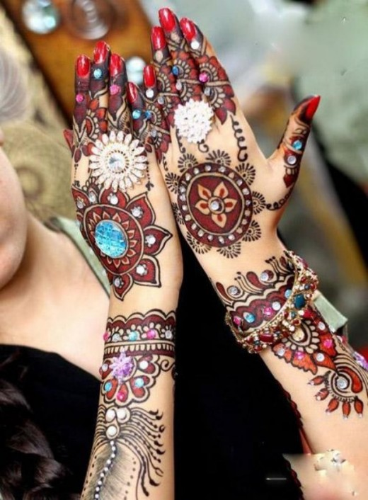 Fabulous Eid Mehndi Designs for Brides 2014