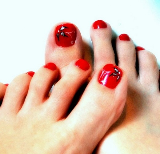 Fantastic Toe Nail Art Trend For Eid 2014