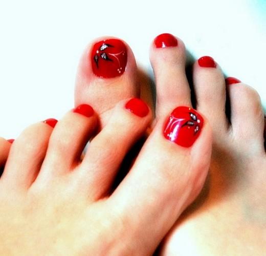 Fantastic Toe Nail Art Trend For Eid 2014