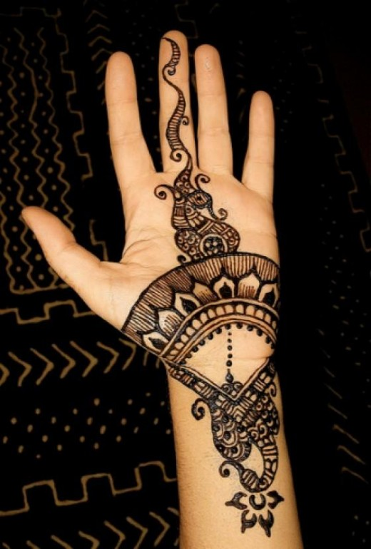 Special Girls Mehndi Designs 2014 for Eid ul Fitr