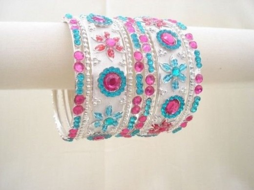 Latest Bangles Style Of Eid ul Azha For Girls 2014