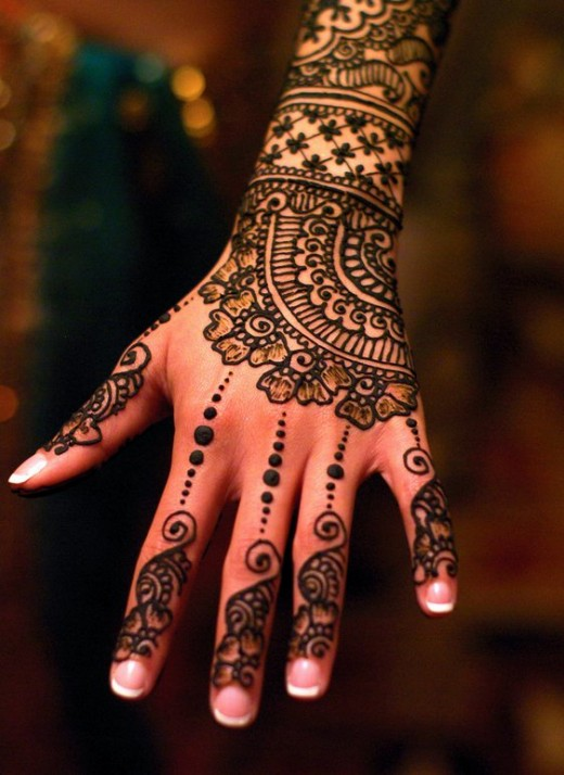 Back Hand Henna Design for Christmas 2015