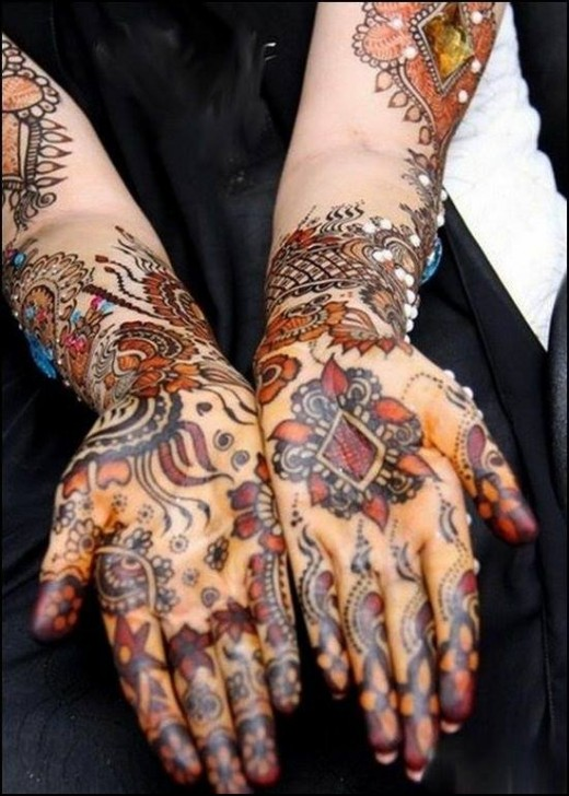 Latest Christmas Mehndi Designs for Brides 2015