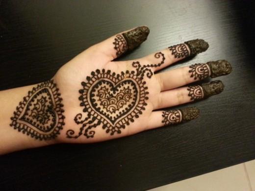 Loved Heart Mehndi Designs for 25 December