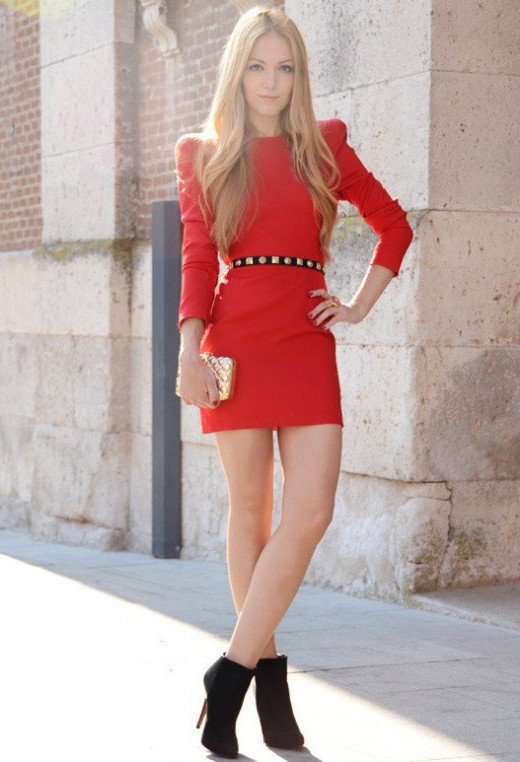 Stylish Valentine's Day Red Roses Dress with Black Shoes