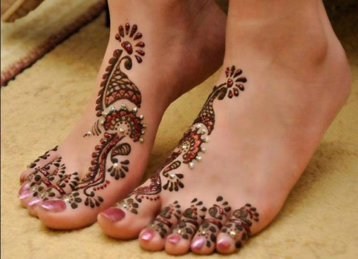 2015 Feet Eid ul Fitr Mehndi Designs for Young Girls