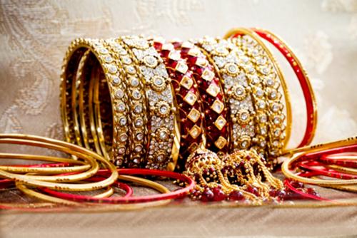 New Arrival Eid ul Azha Bangles Designs 2015 for Girls