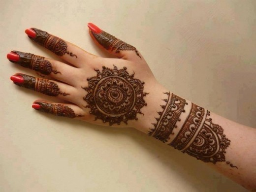 Pakistani Back Hand Mehndi Designs for Eid 2015
