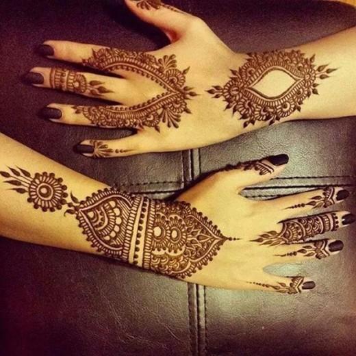 Pakistani Girls Mehandi Design for Back Hands 2015