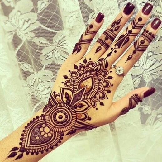 Women Eid Ul Adha Henna Designs 2015