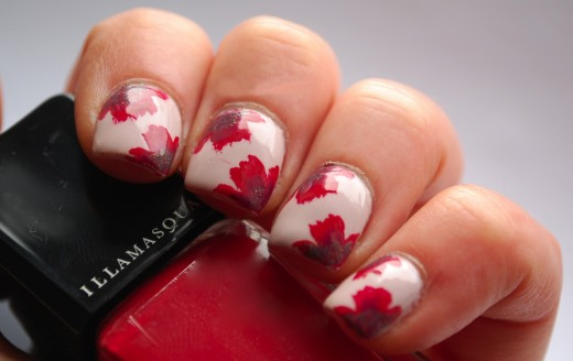 Red and White Christmas Flower Nail Fashion