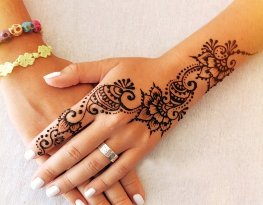 Awesome Summer Henna Art Designs for Brides