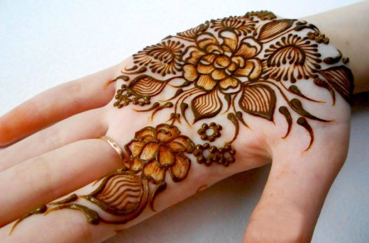 Best Flower Henna Designs for Summer 2016