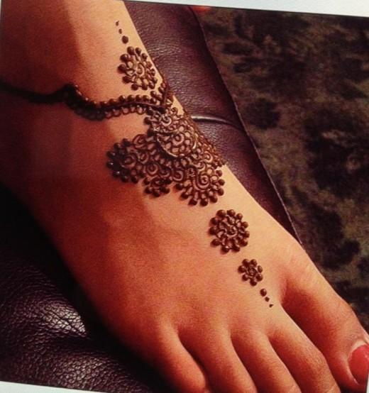 Spring Summer Henna Foot Design Ideas