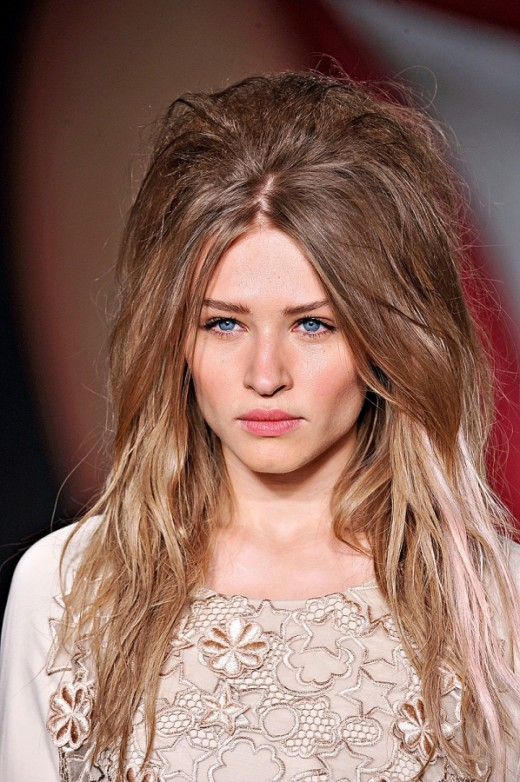 haircut styles for women with long hair 15 hairstyles 2016 sheclick 8984 | Latest Messy Long Hairstyles for Women 520x782